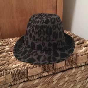 Accessories - Grey & black print fedora.  Excellent condition